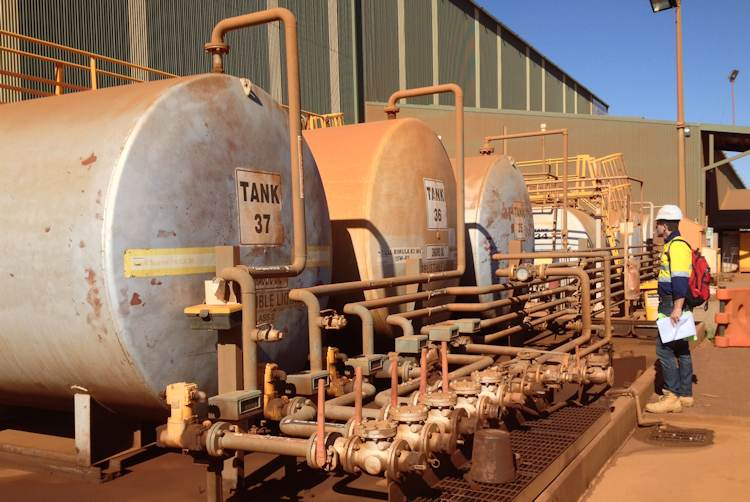 Oily water treatment from fuel filling station